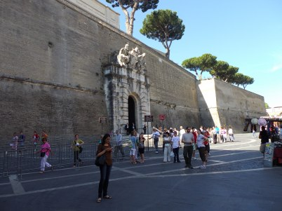 Entrada al Vaticano.